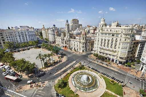 Іспанська Валенсія чекає українських мандрівників…