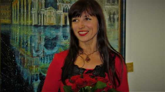 Выставка «Я бачу світ душею фарби на полотні моїх думок» Элеоноры Обуховой