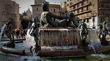 Аллегорический фонтан на площади Девы Марии в Валенсии