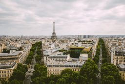 Франция разработала план по  восстановлению сферы туризма