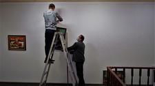 Готуємося до вернісажу художниці Людмили Ганушевич
