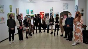 «У галереї «Митець» відкрито виставку «РОЗФАРБУЄМО ЖИТТЯ»